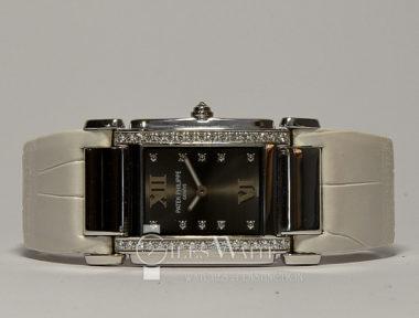 £9,895 (REF 5876) PATEK PHILIPPE TWENTY-4 REF 4920G-001 (2008)