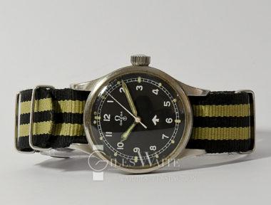 £2,595 (REF 6406) OMEGA MILITARY RAF 2777-1SC (1953)