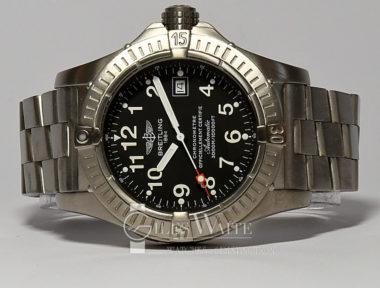 £1,995 (REF 9030) BREITLING AVENGER SEAWOLF REF E17570 (2011)