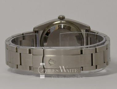 £SOLD (REF 9106) OYSTER PERPETUAL REF 114200 (2015)