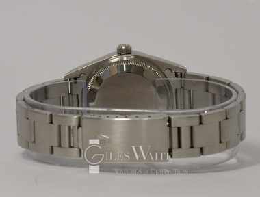 £3,395 (REF 9104) OYSTER PERPETUAL DATE REF 15200 (2005)