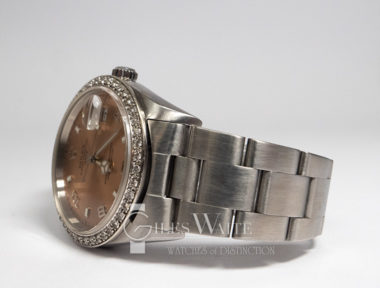 £SOLD (REF 9063) ROLEX OYSTER PERPETUAL DATE REF 15200 (2000)